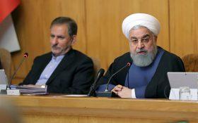 روحانی: دولت در خط مقدم مبارزه است