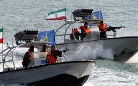 توقیف سه قایق صیادی غیرمجاز کویتی در بندر ماهشهر