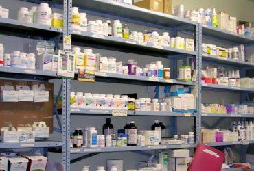 تکذیب کمبود ۴۰۰ قلمی دارو در کشور/ لزوم بازتعریف ماموریت داروخانههای هلالاحمر