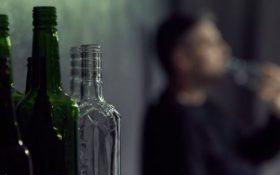 قربانیان مسمویت الکل در فارس ۷۹ تن شد