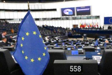درخواست اتحادیه اروپا برای تعلیق تحریمهای آمریکا علیه ایران برای مقابله با کرونا